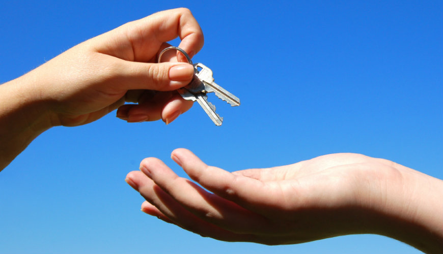 5 Things Property Owners must do before Handing over the Keys